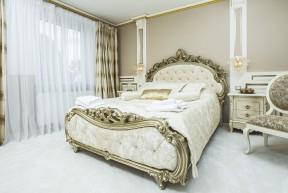 Prožijte baroko! Nechte se u nést na místo, které v Praze nikde jinde nenajdete! Jedinečný styl butikového vybavení v barokním a hýčkajícím – neodolatelném luxusním stylu, se pro vás stanou nezapomenutelným zážitkem!