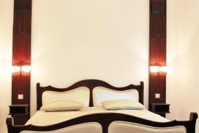Побалуйте себя как египетский принц. Жилая вилла, построенная в 1924 году, преобразованная в семейный отель в 2015 году, имела честь принимать важные делегации, в том числе принца Египта. Сейчас она ждет и вас!