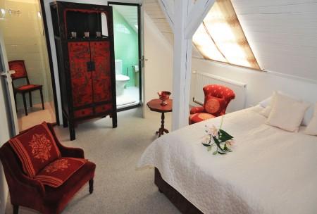 Vyberte si jedinečné ubytování ve wellness & SPA boutique Hotelu pod lipkami v Praze! Volejte ihned 257 222 358. Přímá rezervace!