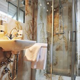 Luxurious washroom facilities with a shower