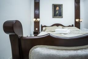 Laissez-nous prendre soin de vous comme si vous étiez un prince égyptien. Cette villa résidentielle datant de 1924, qui été transformée en hôtel familial en 2015, a eu l'honneur d'accueillir des personnalités aussi importantes que le Prince d'Égypte par exemple. Au jour d'aujourd'hui, elle est impatiente de vous recevoir !
